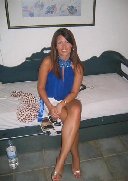 cory monteith dating julie vardalos